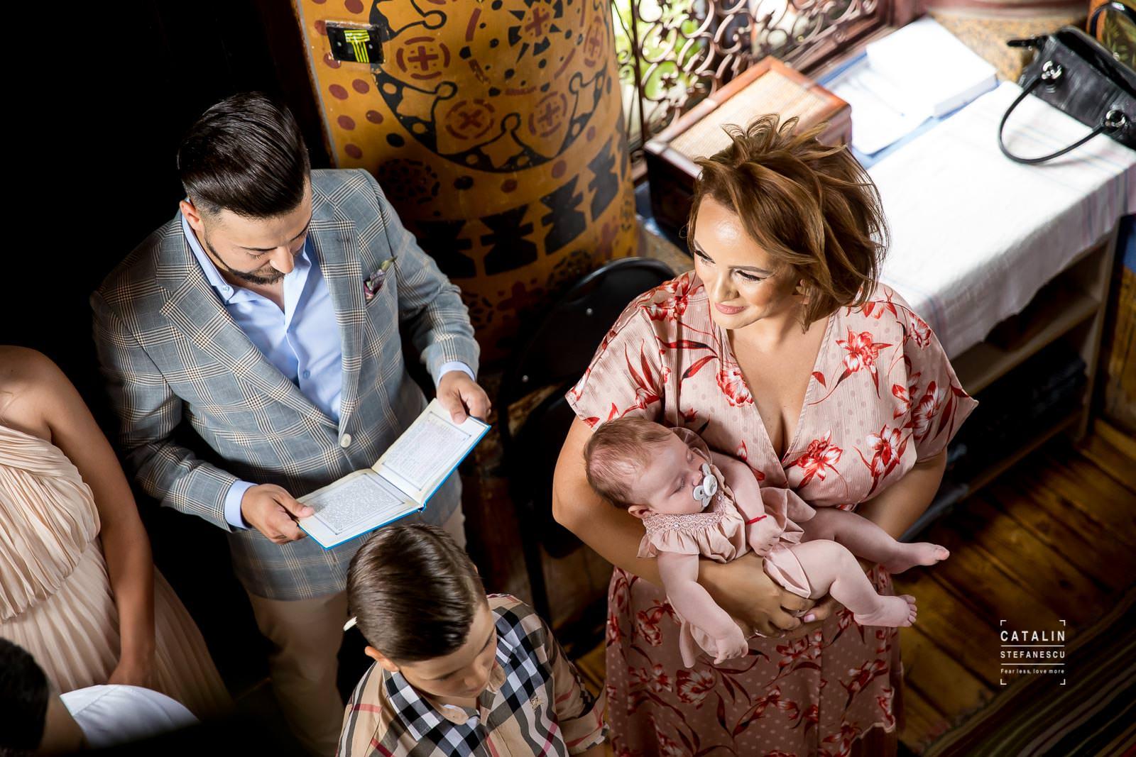 Fotografi Botez Bucuresti - Botez Iris Maria - Fotograf Profesionist Botez Bucuresti Catalin Stefanescu